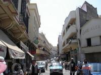 Вид на одну из типичных улочек старого города Танжер.