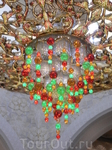Люстра 9,5 тонн из кристаллов Сваровски в мечети, занесена в книгу рекордов Гиннеса