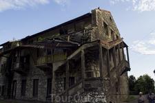разрушенный памятник архитектуры
