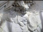 Автором прекрасных скульптур, украшающих фасад церкви, а также барельефов ангелов на фасаде является Альфонсо Джиральдо Бергас (Alfonso Giraldo Bergaz) ...
