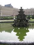 Фонтаны работают только по выходным и только по несколько часов. В общем всей красоты Версаля мы не увидели.