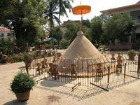 Камбоджийская елка из песка.