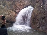 Медовые водопады; Жемчужный - высота 6м