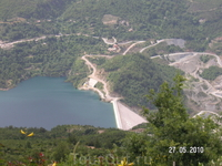 Вид на дамбу с горы (джип-сафари)