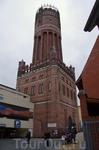 Водонапорная башня, построенная в 1906-1907 гг. Сегодня башня используется для проведения свадеб и других торжественных и культурных, а также экологических ...