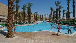 Отель Меридиан Давид бассейн.
