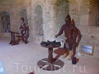 Реконструкция надсмотрищиков в тюрьме в крепости.
