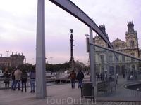 Вид на монумент Колумбу