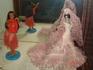 Большая экспозиция кукол из разных стран.