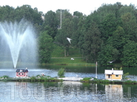 Небольшой жилой комплекс для водоплавающих пернатых, г.Финнснес (Finnsnes). Городок находится на материке, и большинство туристов начинают путешествие ...