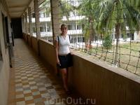 Бывшая школа Туоль-Свей-Прей. Во времена правления Пол Пота она выглядела именно так.