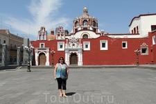 Церковь Санто-Доминго – построена в 17 веке. Её главная достопримечательность - часовня Капилья-дель-Росарио, одна из самых богато украшенных часовен в ...