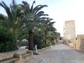 Кто-то называет это место замком, наверное потому что в испанском языке слово castillo  означает и замок феодала, в котором жил хозяин и слуги и укрепленную ...
