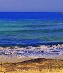 Чудесные пляжи и красивое синее море...