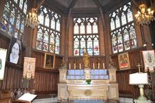 Церковь возводилась «Мастерами топора», т.е. без единого гвоздя. Подобные церкви строили и в древней Нормандии (строительство подобной церкви можно увидеть ...