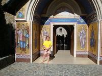 В горах Троодос, монастырь Кикос. Здесь хранится одна из трех икон Богоматери, написанных Св. Лукой.