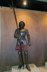 В замке есть что посмотреть не только снаружи, но и внутри. Например, коллекция средневекового оружия.