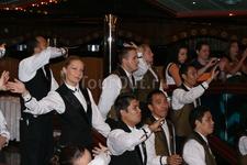 наши официанты на корабле
