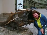 Такие вот скульптуры установлены недалеко от Мариенплатц