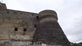 Анжуйский замок -на ремонте