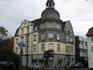 Леверкузен.Дома невысокие,улицы и проспекты широкие,город ухоженный,стал называться городом с 1977г,ранее был пригородом Кельна.