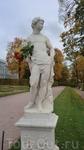 """Одна из статуй серии """"Времена года"""""""