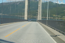 И это не единственный мост по дороге, один из самых красивых
