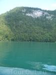 КЁНИГЗЕЕ-длиной 8км,достигает глубины до 200 метрови ширины 1200 метров.Вода даже в жаркое время в озере очень холодная,7*градусов.Снабжается подземными ...