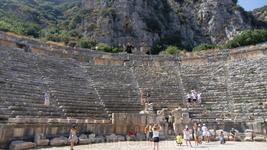 Там,где проходили древнейшие спектакли