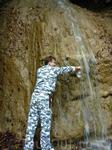 Из этого водопадика мы набрали пресной воды, которую можно пить.