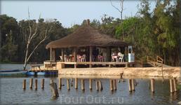 озеро в парке Форестье де Ан