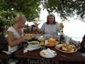 Обед в морском ресторане на Равай бич (купаться мы там не нашли где, там одни лодки, можно взять лодку напрокат с лодочником и поплыть на острова - Бон ...