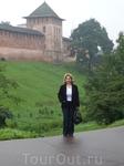 Высоченные  стены  древнего  Новгородского  Кремля.