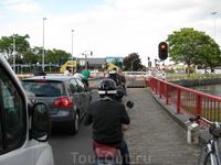 Бельгия. Разводка мостов вокруг города постоянно