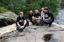Сделав несколько памятных фото мы отправились к нашей заветной цели - к водопаду Белые столбы (Юканкоски).