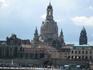 Купол Фрауэнкирхе, а перед ним здания Старого города.