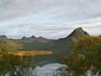 Горы над фьордом близ Сандслетты.