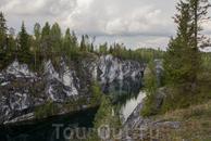 Основой достопримечательностью Горного парка является Мраморный каньон – памятник индустриальной культуры (горного дела) конца XVIII - начала XX в.в., ...