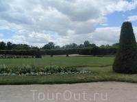 В саду Дворца Фонтенбло