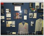 В музее очень много стендов по которым можно изучать всю историю освоения космоса.