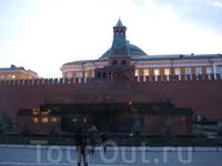 Мавзолей Ленина. Интересно, как долго Ленин будет почивать в этом каменном саркофаге