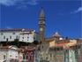 Собор Святого Георгия возвышается над всем городом. На этот раз - вид с побережья.