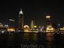 Вид ночного Шанхая с реки.