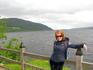 сзади оно - озеро- Лох Несс