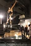 Произведение Сальвадора Дали в его музее.