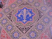 Лилия Бурбонов-орнамент напольной плитки.Может послужить мотивом для вышивки.