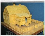 Модель дома Гагарина, сделанная школьником из спичек.