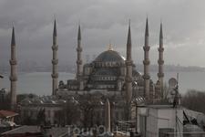 Голубая мечеть - центр притяжения для мусульман