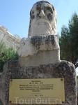Город Бодрум знаменит не только тем, что в нем был Мавзолей- чудо Света, но и тем, что там жил великий Геродот