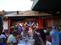 Вечер в Критской деревне с национальным обедом, местным вином и национальными танцами и песнями